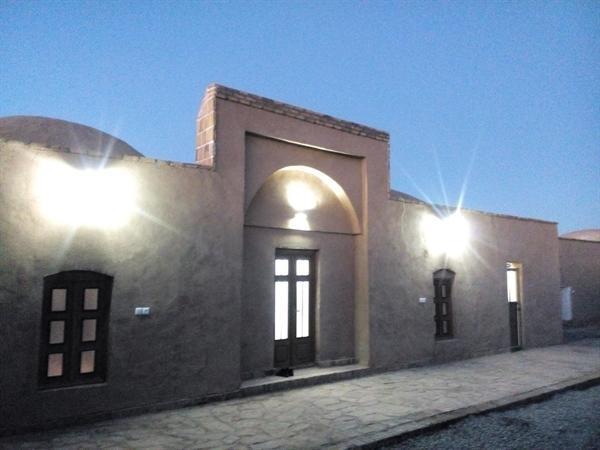 اجرای سیستم روشنایی و نورپردازی در پایگاه جهانی بیابان لوت