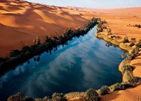 تپه های سینمایی و دریاچه ها در Ubari، لیبی