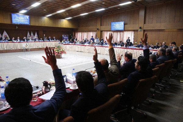ادامه معین سرنوشت ورزش ایران با صلوات، جلوی روسا دست ها بالاست