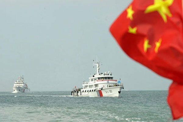 2 رزم ناو آمریکایی در تنگه تایوان، چین هشدار داد