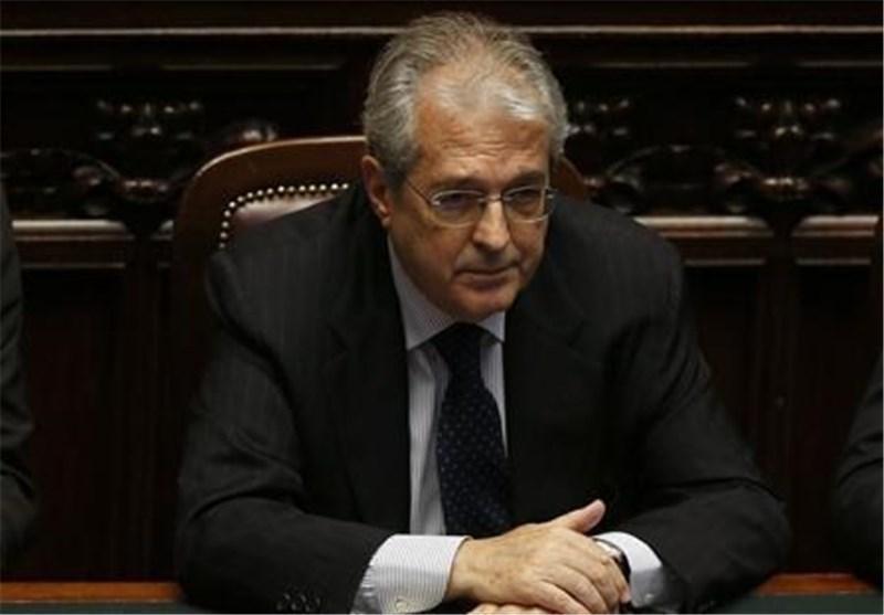 وزیر اقتصاد ایتالیا تهدید به استعفا کرد