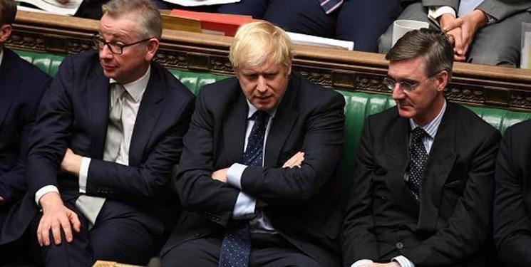 درخواست ها برای استعفای جانسون بعد از لغو تعلیق مجلس انگلیس