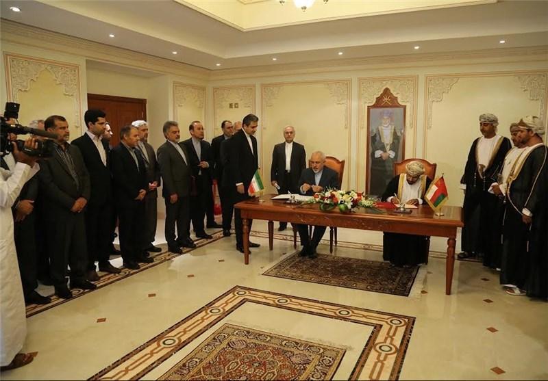 ایران و عمان موافقتنامه معین مرز دریایی در دریای عمان امضا کردند