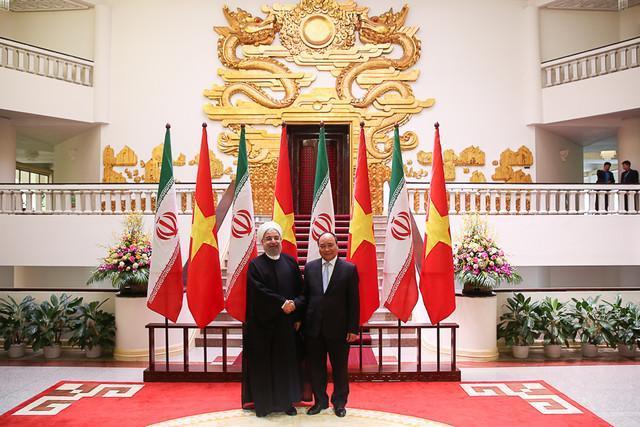رییس جمهوری هانوی را به مقصد کوالالامپور ترک کرد