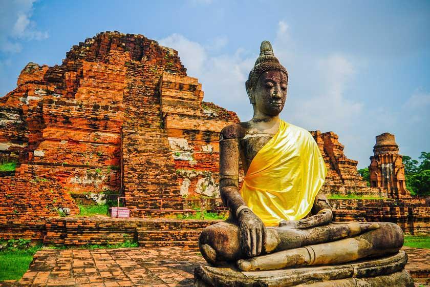 مقامات گردشگری تایلند به منظور حفظ شهر تاریخی آیوتایا به گردشگران آموزش می دهند