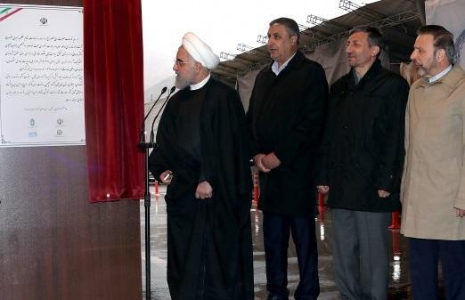 روحانی: آزادراه تهران-شمال نمایش قدرت مهندسان ایرانی است ، بازدید رئیس جمهور از جهت آزادراه