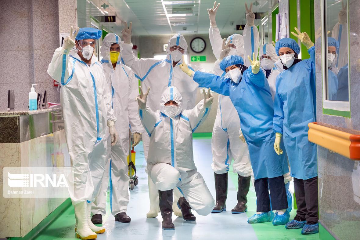خبرنگاران تلاش جامعه پزشکی در مبارزه با کرونا یادآور روزهای دفاع مقدس است