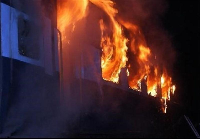 نجات 30 نفر از آتش سوزی مجتمع مسکونی در شهران