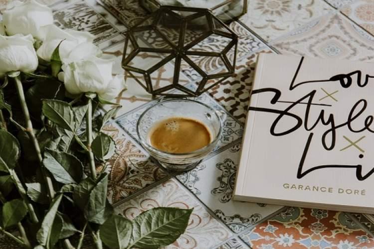 مزایای شگفت انگیز خواندن رمان هایی با مضمون عاشقانه