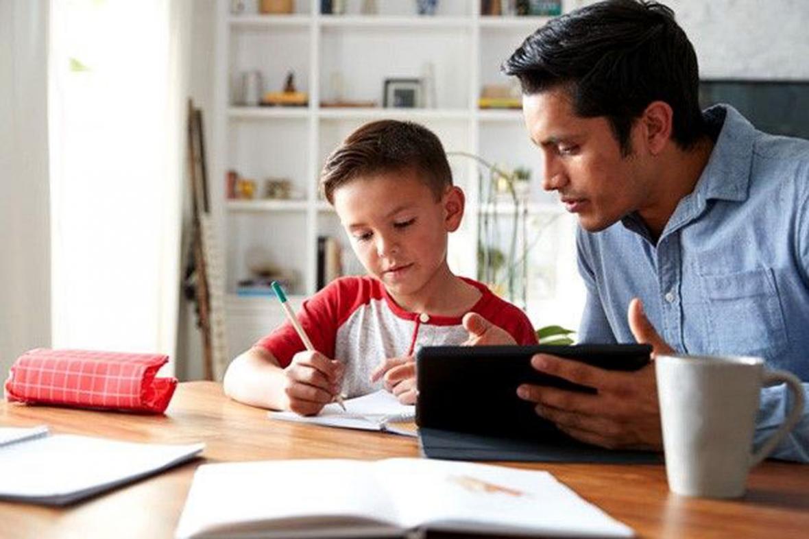 نقش مؤثر والدین در آموزش آنلاین