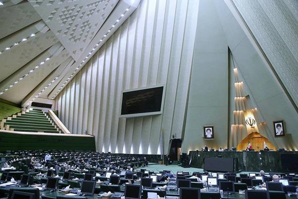 جزییات نشست عزیزی خادم و نمایندگان مجلس بر سر ماجرای از دست رفتن میزبانی خبرنگاران