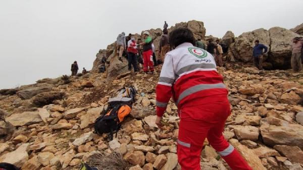 نجات 3 نفر توریست در کوه های مابین روستای یونسلو نقده و دربند ارومیه