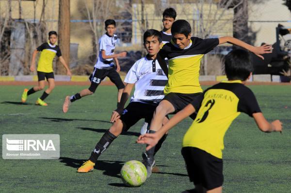 خبرنگاران میزبانی مرحله نهایی مسابقات فوتبال جوانان کشور به یزد واگذار شد