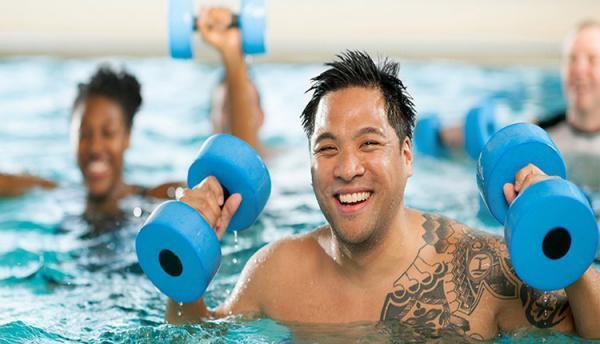 ورزش در آب برای لاغری؛ یک روش مدرن و مفرح برای کاهش وزن