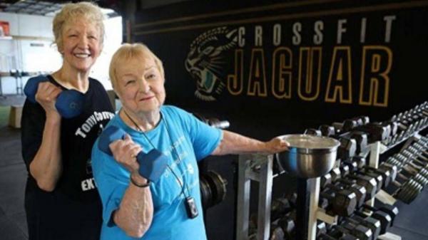 رکوردشکنی مادربزرگ 100ساله در رشته وزنه برداری